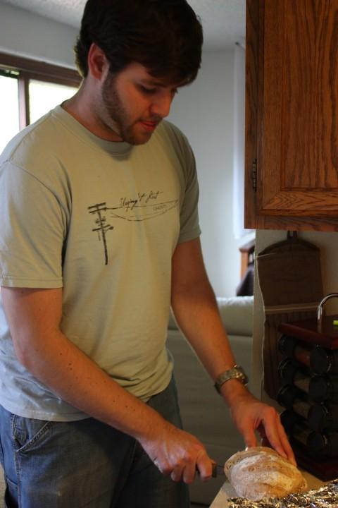 Lovey slicing bread