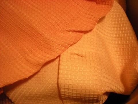 color contrast {orange}